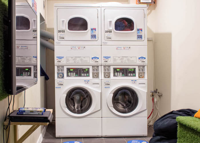 mad-monkey-broadway-mmbb-laundry-room